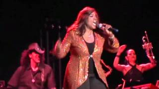 Gloria Gaynor - I Am What I Am (Coney Island, July 12, 2012). Click to watch and sing and dance with her! :-)